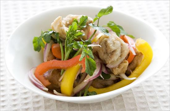 鶏肉のからあげと野菜の甘酢和えイメージ